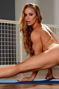 Busty Blonde Nicole Aniston Strips Off Her Sexy Yoga Outfit 09