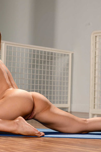 Busty Blonde Nicole Aniston Strips Off Her Sexy Yoga Outfit 12