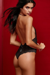 Skinny Brunette Babe Sara Sampaio Hot Lingerie Photos 01