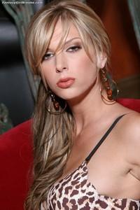 Sexy Blond Brooke Banner 00