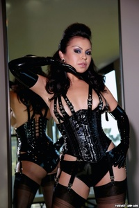 Caroline Aquino Black Corset 08