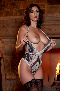 Glam Babe Carlotta Champagnestrips By The Fireplace 04