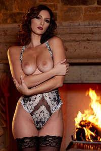 Glam Babe Carlotta Champagnestrips By The Fireplace 05