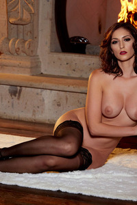 Glam Babe Carlotta Champagnestrips By The Fireplace 10