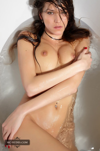 Silvie Naked In The Bath Tub 10