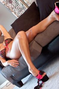 Nikki Sims Bikini 02