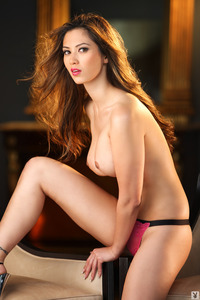 Busty Playmate Jasmine Davis 09