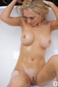 Nude Cybergirl Jennifer Vaughn 09