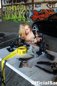 Sarah Jessie Shows Off Her Hot Body 09
