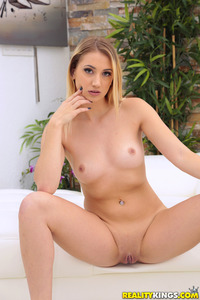 Hot Blonde Babe Sierra Nicole Strips And Spreads Her Pussy 12