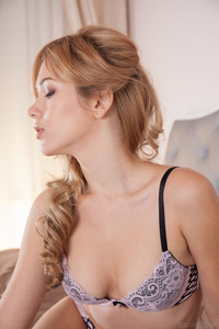 Genevieve Gandi Sexy And Beauty Young Babe Srtips Out Of Her Lingerie 01