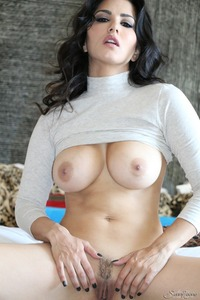 Sunny Leone In Sexy Blue Panties 17