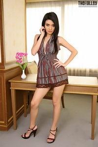 Skinny Brunette Asian Babe Christy Kee 00