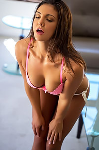 Tomi Taylor Erotic Photo Set