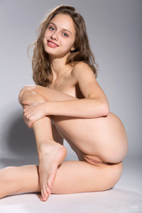 Young Brunette Teen Sonia In The Spotlight 08