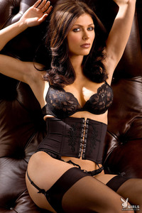 Amazing Playboy Babe Lynda Redwine In Black Lingerie 01