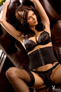 Amazing Playboy Babe Lynda Redwine In Black Lingerie 02