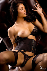 Amazing Playboy Babe Lynda Redwine In Black Lingerie 03