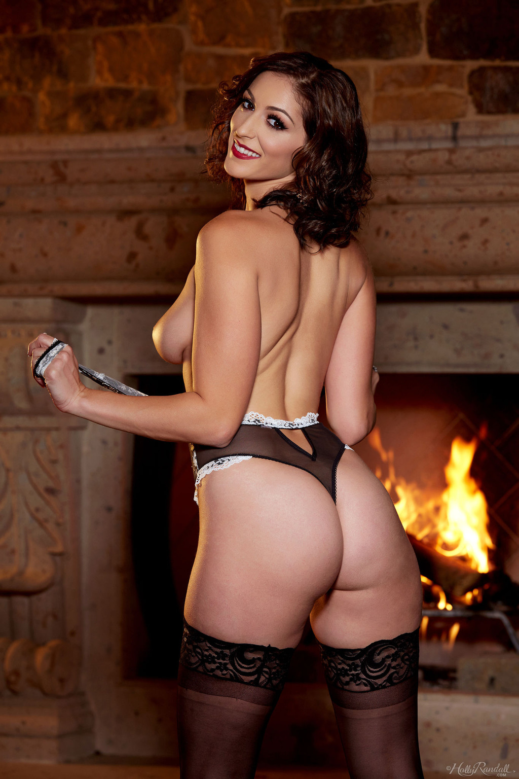 Glam Babe Carlotta Champagnestrips By The Fireplace 07