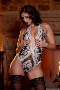 Glam Babe Carlotta Champagnestrips By The Fireplace 03