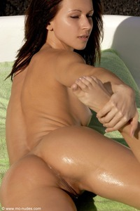 Susana Spears Sun Kissed Beauty 10