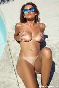 Sexy Playmate Ali Rose Naked In The Pool 15