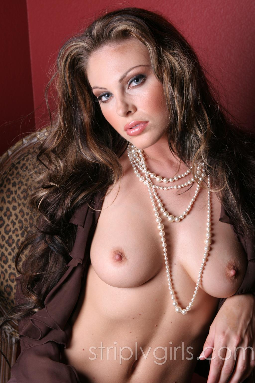 Jesse Capelli Nude jesse capelli sexy nude photos from striplvgirls 18 / 18