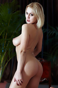 Sexy Busty Blonde Naked